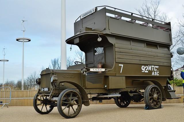 B2737 - The Battle Bus