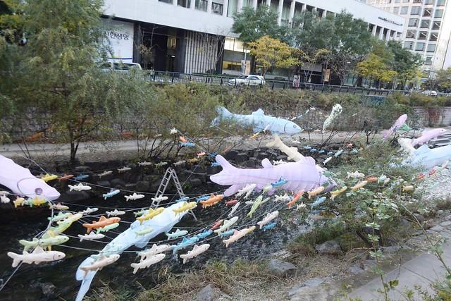 月, 2014-11-03 02:50 - 清渓川路