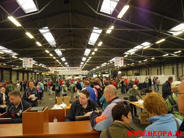 16-04-2011     Rode-Kruis   Bloesem   wandeltocht 26 Km (8)
