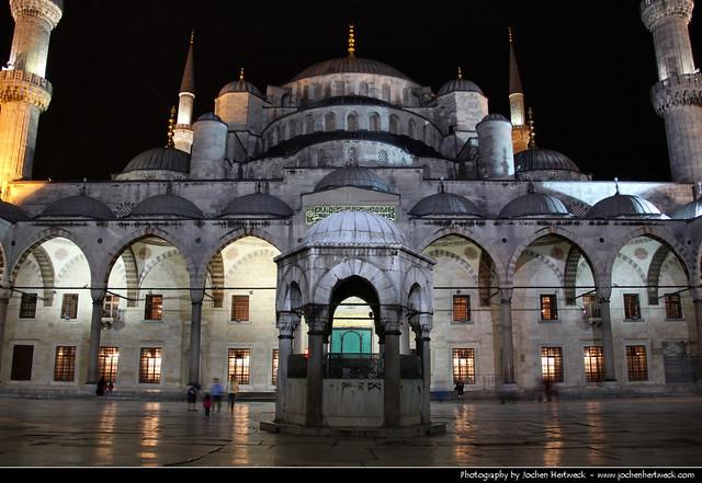 Sultan Ahmet Camii (Blue Mosque) @ Night, Istanbul, Turkey