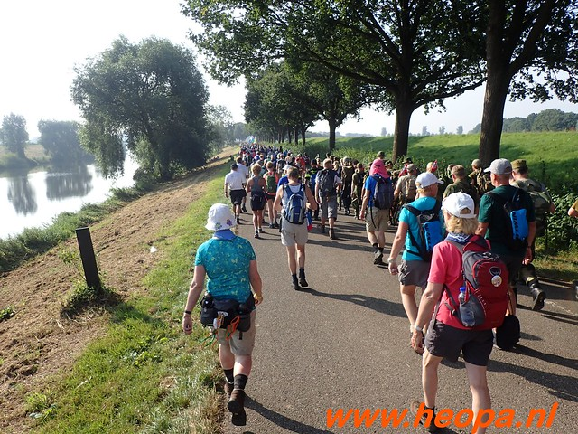 2016-07-21   3e  dag Nijmegen   40 Km  (47)