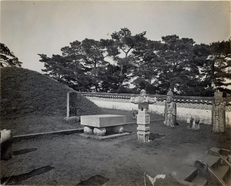 Kija's tomb, Pyeng Yang, (s.d.) (Taylor box21num05)