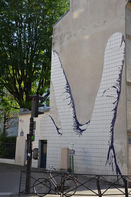 Deux doigts dans le mur, Paris XXe