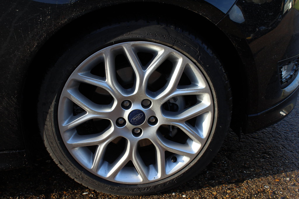 Ford Focus Zetec S Alloys Picture Of The 2014 Model Ford F Flickr