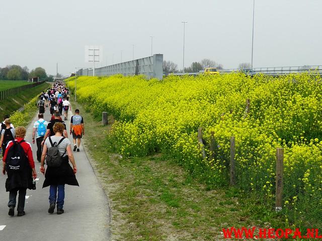 16-04-2011     Rode-Kruis   Bloesem   wandeltocht 26 Km (98)