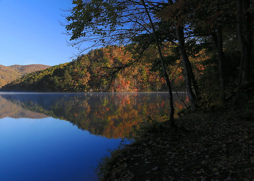 statepark autumn lake reflection fall nature water forest canon landscape eos virginia fallcolors scenic marion fallfoliage 6d hungrymother