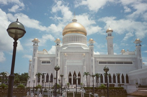 Sultan Omar Ali Saifuddin Mosque [3]
