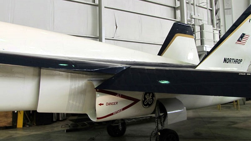 ノースロップYF-17Cobra4