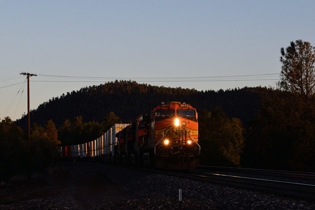 BNSF 4633 West at Williams, Az