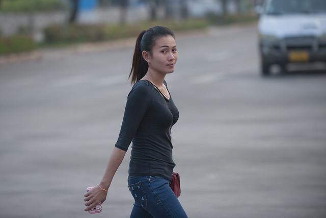 LAO137 Laotian woman - Vientiane 41 - Laos