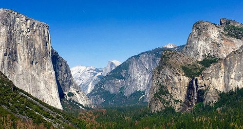 Yosemite Valley | by wavesounds