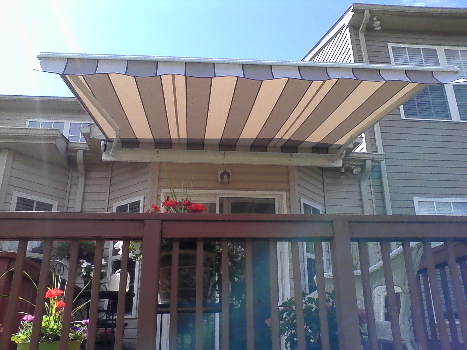 Hoffman-Retractable-Deck-Awning-Frederick-Maryland