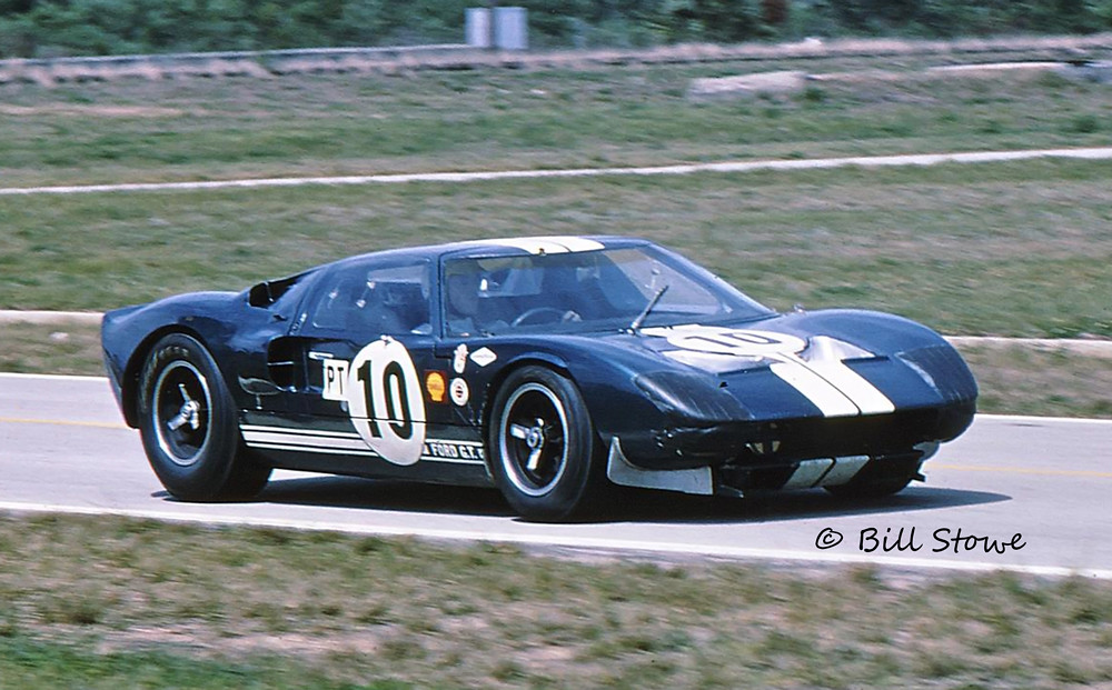 Ford GT 40 at Sebring 1965 This looks like a Shelby GT40