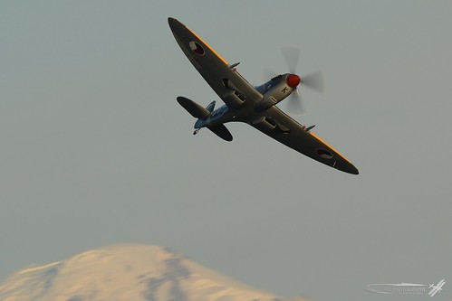 Spitfire | by simonschibliphotography