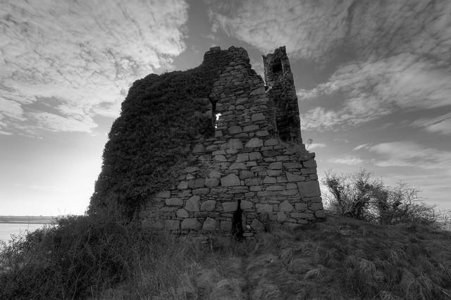 INCH CASTLE (RUIN), INCH ISLAND, CO DONEGAL, IRELAND.