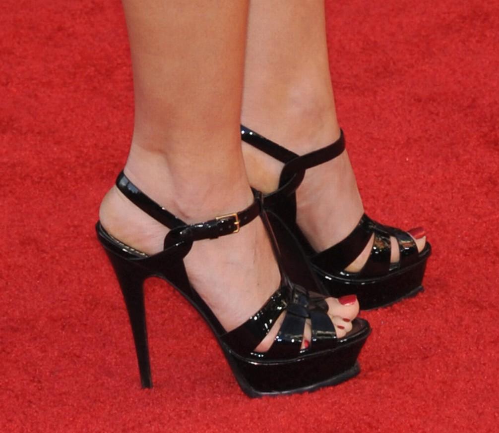 Baccarin feet morena Morena Baccarin