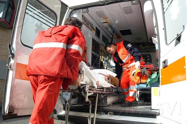 Noicattaro. Ambulanza front