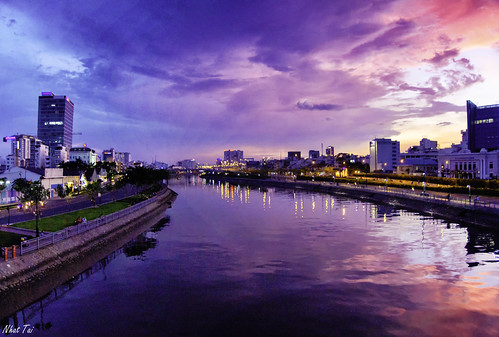 city blue sky panorama cold reflection water river landscape canal twilight warm pin sad magenta vietnam citylandscape saigon channel landscapephotography ubran panoramicphoto coldcolor saigondowntown ubranarea