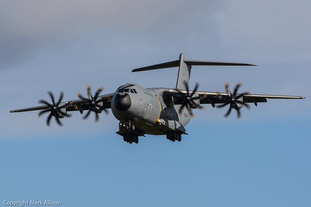 RAF Airbus A400M Atlas ZM400 'City of Bristol' Landing at Newcastle