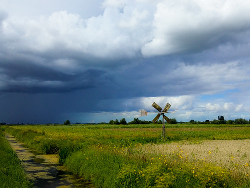 strijen zuidholland nederland nl rain windmill bosmanmolen polder cloud creek watergreen blue sky outdoor lightroom phonephoto lg lgg3 netherlands