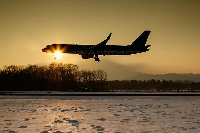 Thomson Airways | Boeing 757-236 | G-CPEV | Salzburg | LOWS | Febuary7, 2015 | flightpics.at
