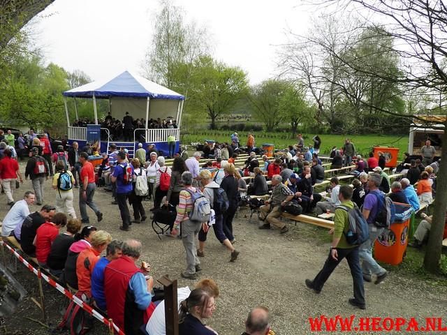 16-04-2011     Rode-Kruis   Bloesem   wandeltocht 26 Km (49)