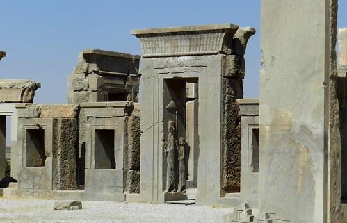 bajorelieve en puerta Palacio de Dario o Tachara Persépolis Irán 03   by Rafael Gomez - http://micamara.es
