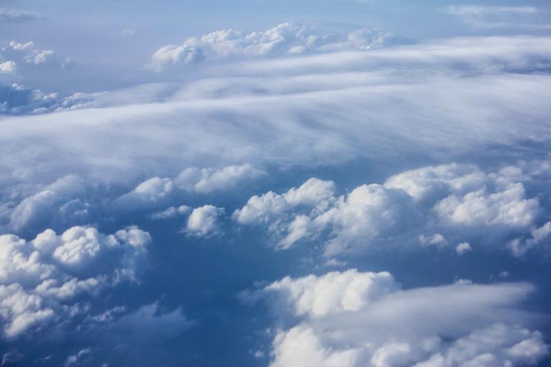 飛行機の雲