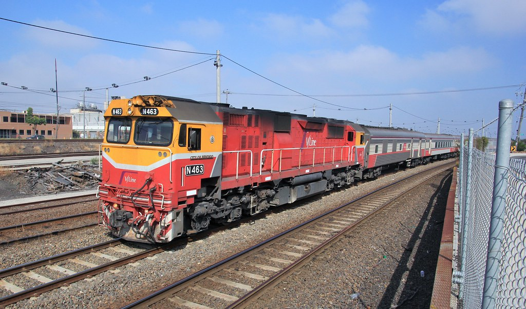 N463 gets a clean run into Melbourne on the Albury service by bukk05