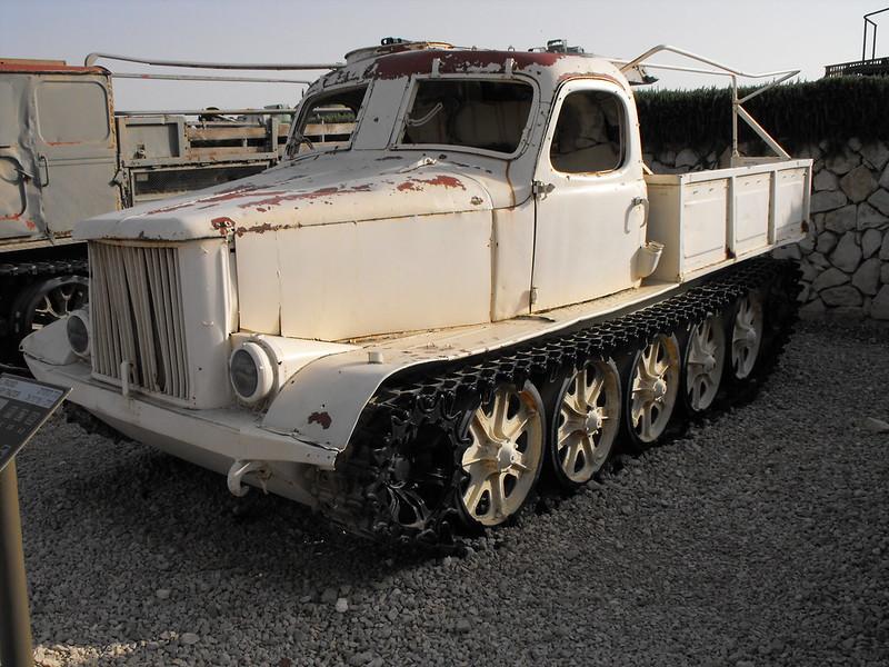 AT-L Artillery Tractor 2