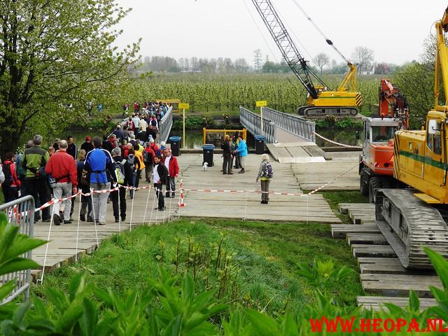 16-04-2011     Rode-Kruis   Bloesem   wandeltocht 26 Km (17)