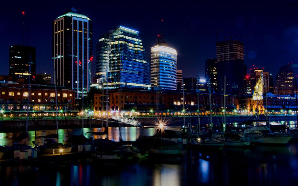 Buenos Aires por la noche | Una vista del dique 1 de puerto … | Flickr