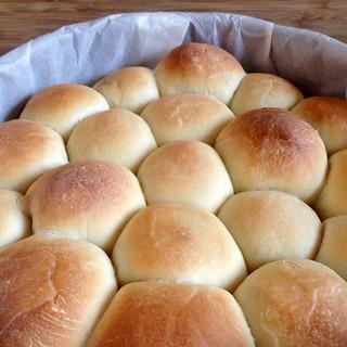 Making pull-apart Thanksgiving leftover stuffed bread | by joyosity