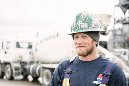 Male Youth Truck Driver / Jeune conducteur de camion