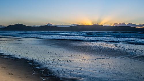 uminabeach landscape nature australia nswcentralcoast newsouthwales sea earlymorning nsw beach centralcoastnsw umina morning outdoors waterscape sunrise waves water seascape
