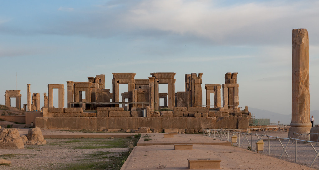 Travel From Shiraz To Isfahan Iran Persepolis Shiraz Ir Flickr
