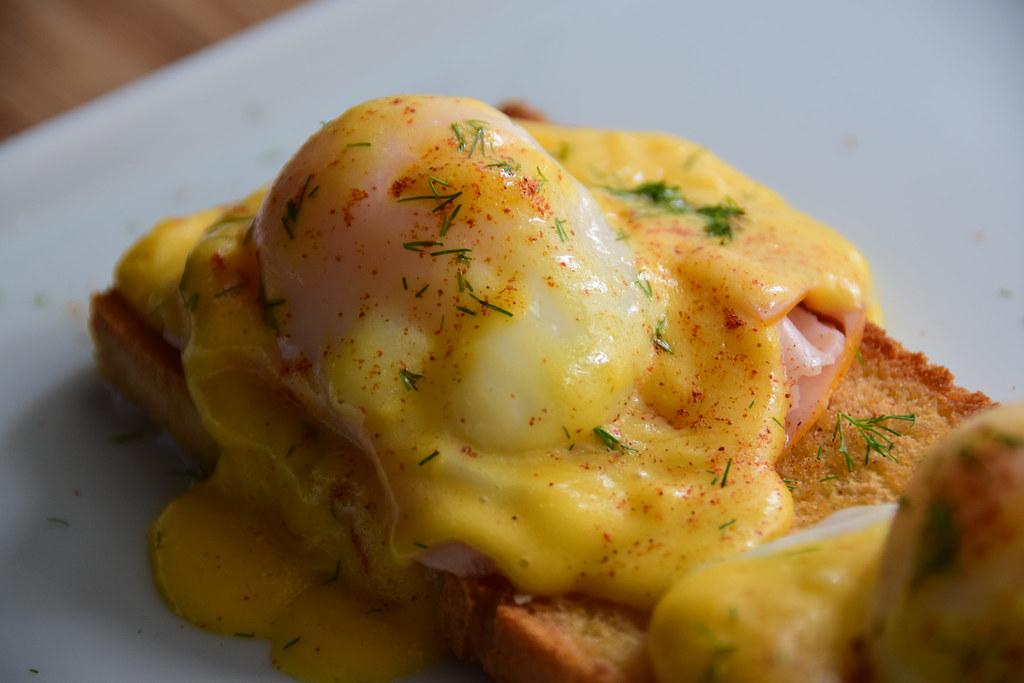 Eggs Benedict Ovo Cremoso Cozido A 65 Graus Com Molho Ho