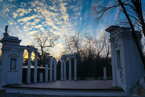 park light sunset sky architecture greek theatre roman stage columns amphitheatre poland warsaw classical lazienkipark theroyalbathspark sonynex5n