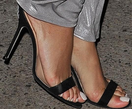 Rihanna Toes: Rihanna-Feet & Sandals