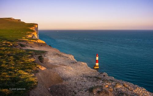 beachyhead lighthouse cliffs white coast england uk britain sussex edge sunset goldenhour landscape sea seascape seaside seashore eastbourne south pietkagab piotrgaborek photography pentax pentaxk5ii travel trip tourism walk adventure holidays