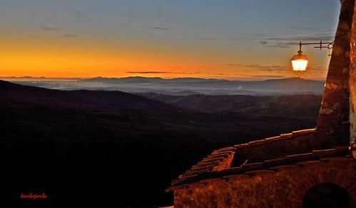 sunset italy panorama landscape italia tramonto eu tuscany cana toscana grosseto maremma castiglionedellapescaia paese roccalbegna nikonflickraward paesaggiomaremmano nikond5000 jambojambo maremmacountryside idiciottopassi paolafargion