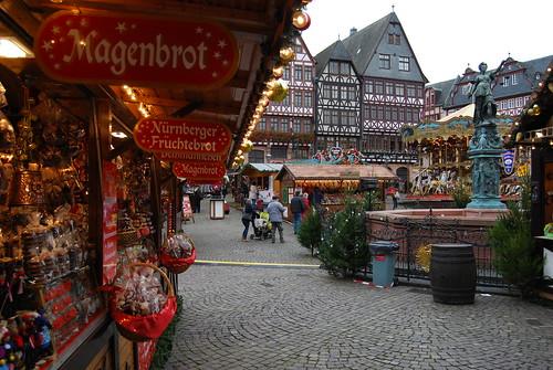 Frankfurt /Christmas market @ Römerberg   by Ferran Porta.