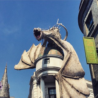This dragon breathes fire at random times. It's very cool. #harrypotter #universalstudios | by Scott McLeod