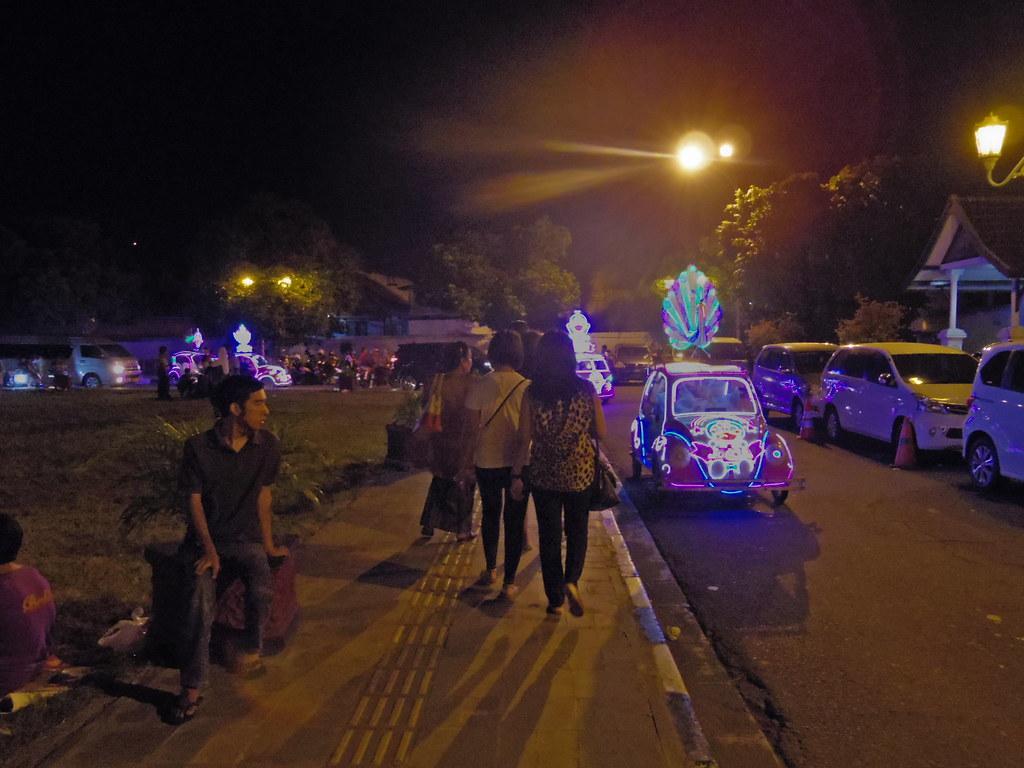 A Night at Alun-Alun Kidul