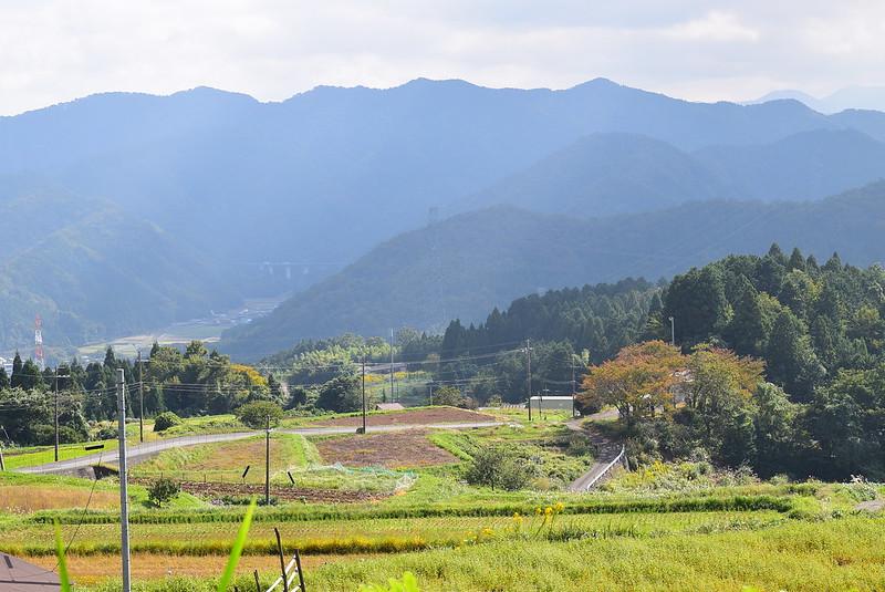 松尾寺から山を降りる