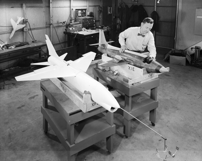 Vought XF-8U Crusader