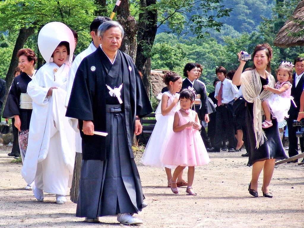 Marriage Matrix of Shirakawa-go : 白川郷の嫁入り