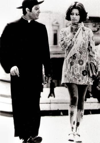 Marcello Mastroianni and Sophia Loren in La Moglie del Prete