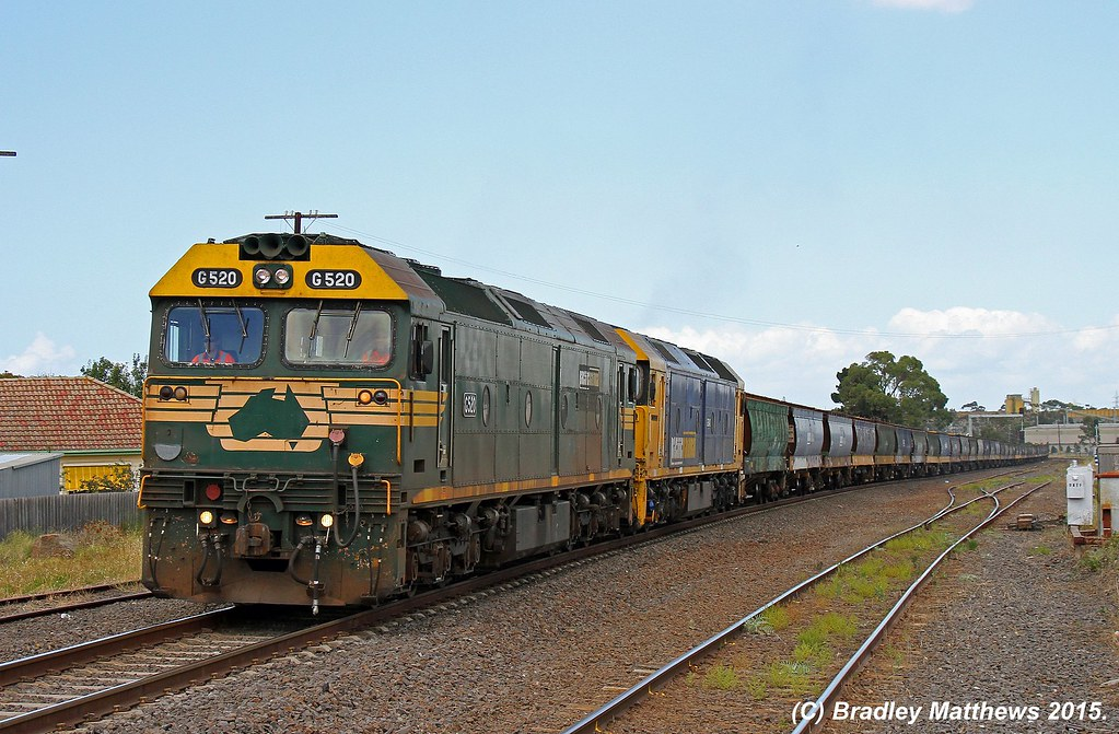 G520-G540 with 4MC5 down empty PN SG grain from Geelong to McIntyre Loop, later to Oaklands near McIntyre Loop (28/1/2015) by Bradley Matthews