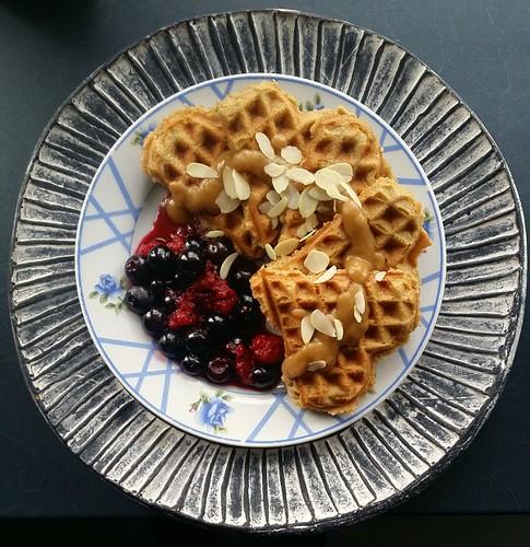 paleo recipe almond coconut flour waffles